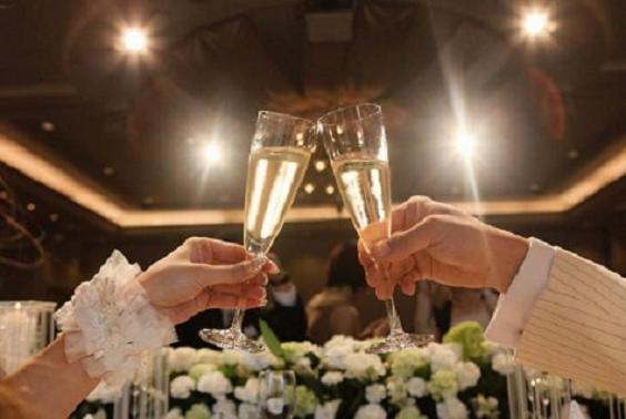 結婚式の乾杯の挨拶必ず感動するスピーチ7つの例文