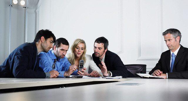 職場孤立、まじめな人ほど陥りやすい7つの理由